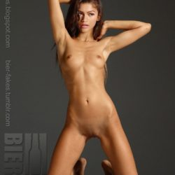 Full Frontal Fake Nude Zendaya Coleman Shows Her Shaved Pussy